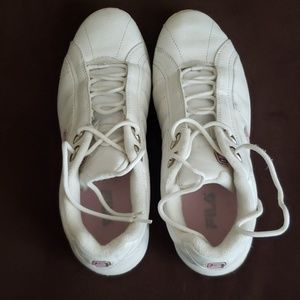 Ladies size 7.5 Fila leather  sneakers